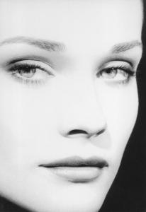 206x300_q100-19_t_beautiful portrait of diane kruger by vanessa von zitzewitz
